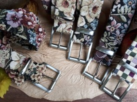 Blumen und Karo Gürtel