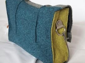 Kleine Crossover Tasche grau grün