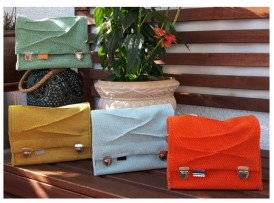 Bunte kleine Crossbody bags in knaller Farben