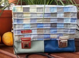 Kleine Crossbody bag, Umhängetasche grün-blau gelb Frontbild