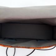 Model 20 Kleine Umhängetasche Orange Bild Tasche innen