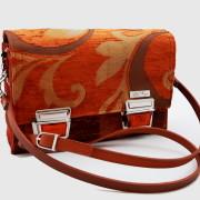 Model 20 Kleine Umhängetasche Orange Bild Tasche mit 10mm Lederriemen