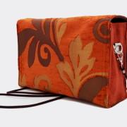 Model 20 Kleine Umhängetasche Orange Bild Tasche von hinten 2