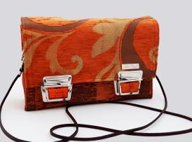 Model 20 Kleine Umhängetasche Orange Bild Tasche von vorne