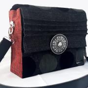 Retro bag black vorne rot2