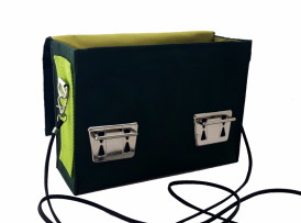 Kleine upcycling Crossbody Tasche grün Modell 45